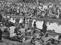 মুক্তিযুদ্ধকালীন একটি শরণার্থী ক্যাম্প