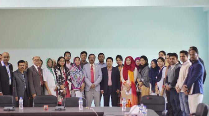 চট্টগ্রাম মেডিকেল বিশ্ববিদ্যালয়ের উপাচার্য অধ্যাপক ডা. মো. ইসমাইল খান'কে সংবর্ধনা ও শিক্ষার্থীদের র্যাবিস ডে সার্টিফিকেট প্রদান